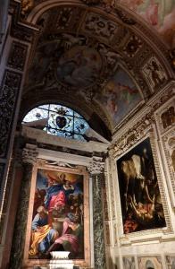 右側がカラバッチョの「聖パオロの改心」