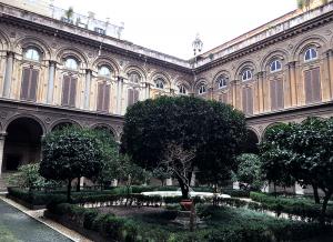 ドリア・パンフィーリ美術館の中庭