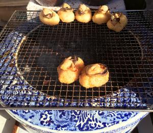 焼きめしの上に牡蠣が乗っている。少々高いが美味しい