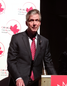 駐日カナダ大使のイアン・バーニー氏