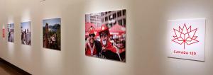 写真展「笑顔でつながるカナダ」