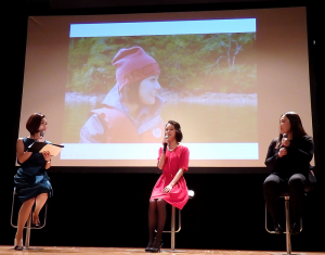 安田早紀氏(中央)と大納言光子氏(右側)のトークショー