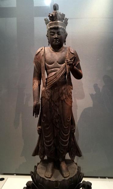 十一面観音菩薩立像。本館も1m以下の小振りの仏像が中心