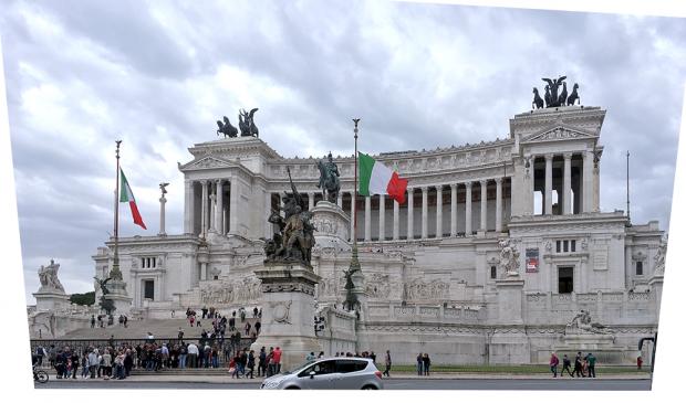 ローマのエマヌエーレ2世記念堂(補正後)