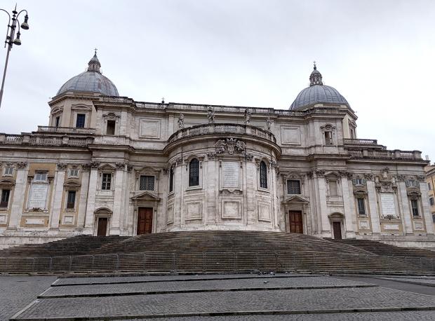 ローマのエサンタ・マリア・マッジョーレ教会(補正前)