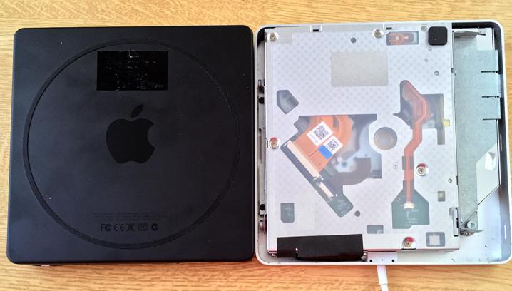 「Apple USB SuperDrive」