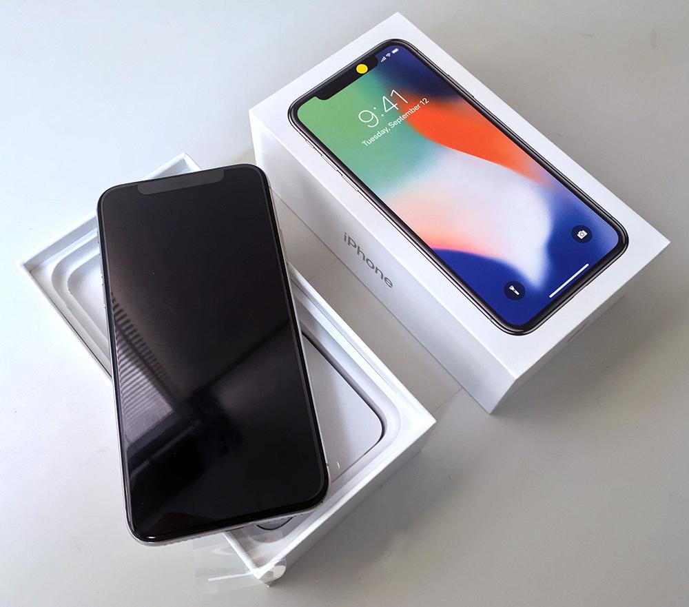 初期不良になってしまった未使用「iPhone X」