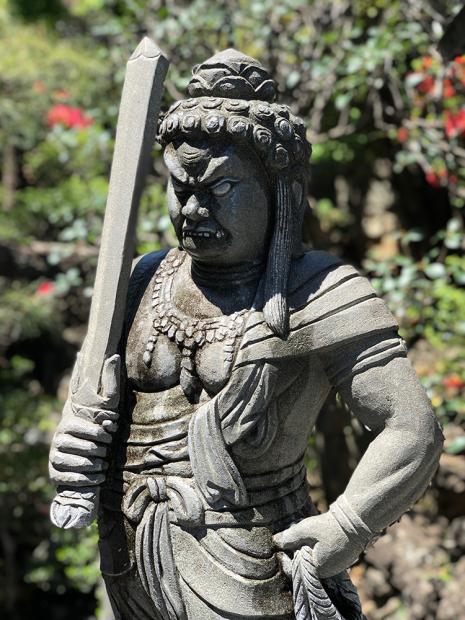 「成田山川越別院」の仏像。