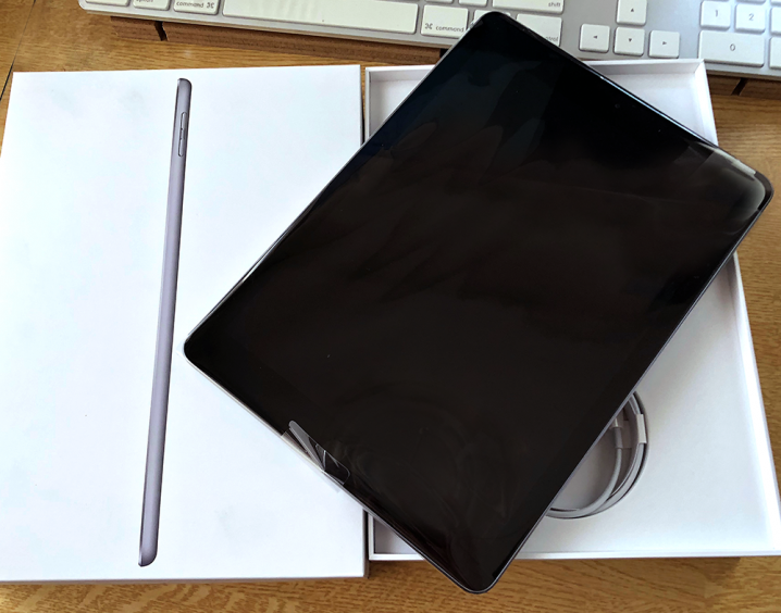 「iPad 2018」スペースグレー32GB、SIMロック解除版