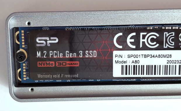 「SP001TBP34A80M28」端子の反対側をネジ止めし固定する